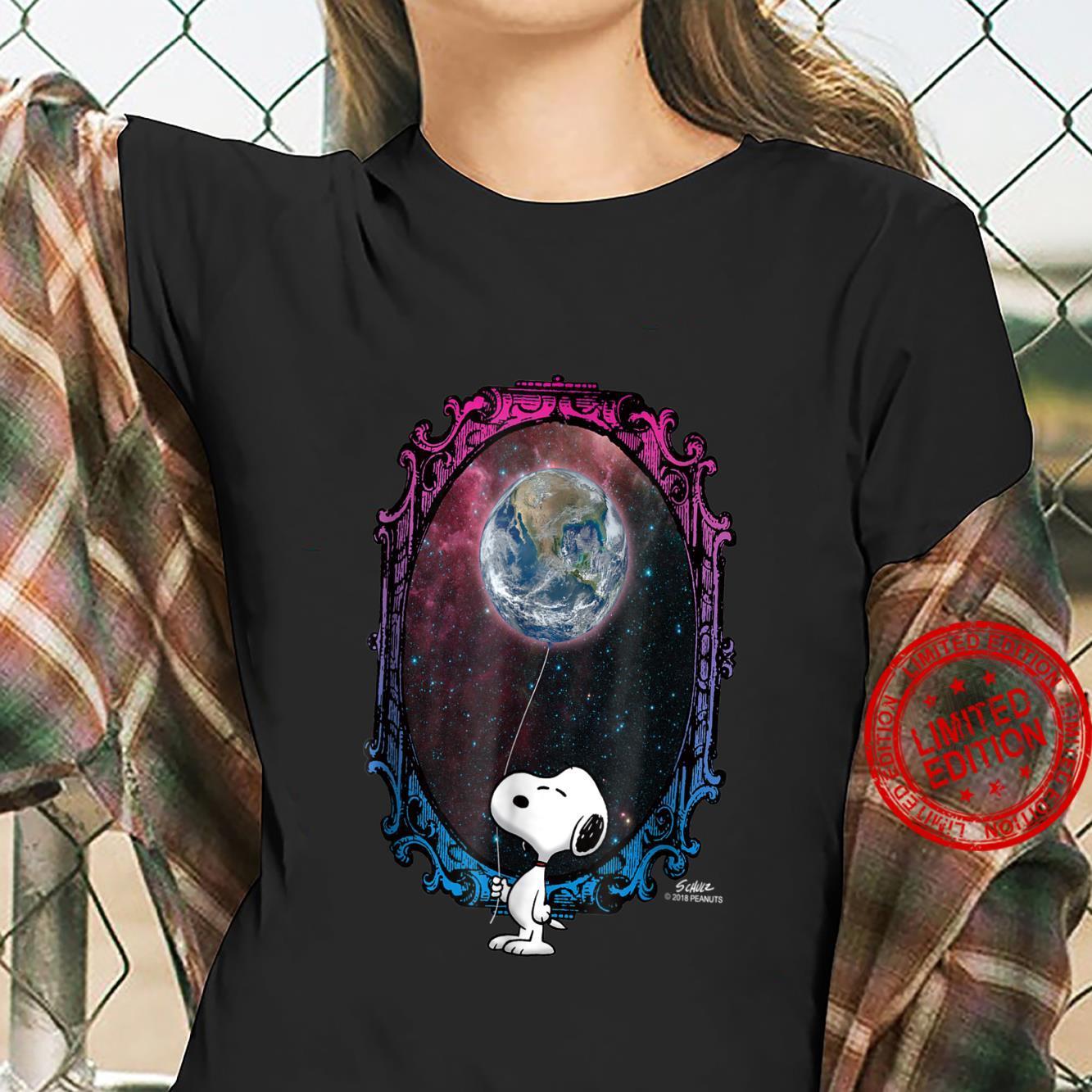 Peanuts Snoopy Space Earth Balloon Shirt ladies tee